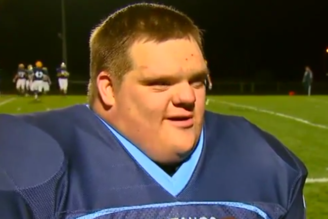 High School Waterboy With Down Syndrome Scores Touchdown