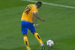 GIF: Comedy Penalty Area Fall and Appeal from Juventus Midfielder Arturo Vidal