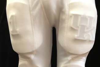 Photos: UK Will Be Wearing Custom 3-D 'UK' Thigh Pads vs. Mississippi State