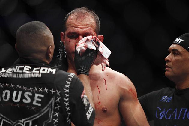 UFC 166: Junior Dos Santos' BJJ Coach 'Never Considered Throwing in the Towel'