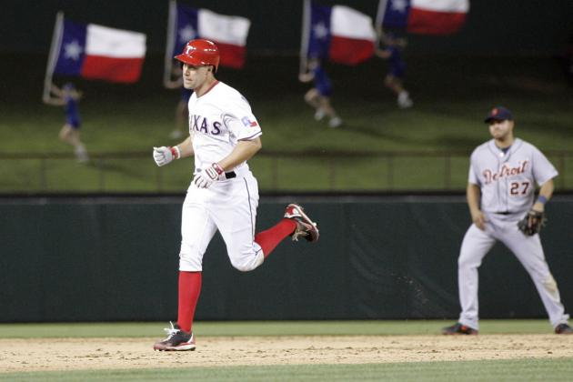Why the Texas Rangers Should Re-Sign David Murphy This Offseason