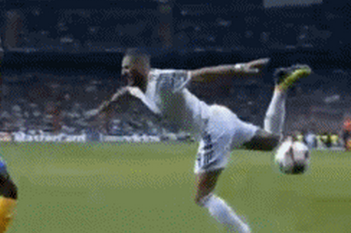 GIF: Karim Benzema's Scorpion Kick for Real Madrid Ends in Epic Fail
