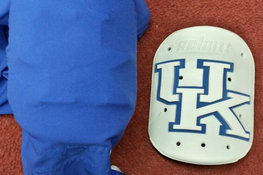 Kentucky Getting Logo Thigh Pads