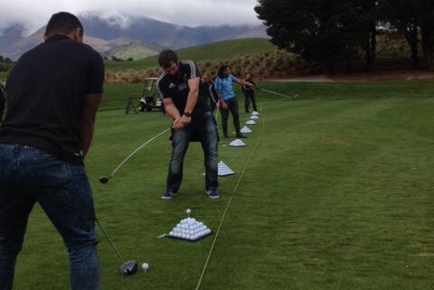 Photo: All Blacks Practise Their Golf Swings