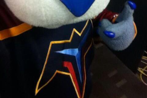 Predators Mascot Honors Thrashers, Trolls Jets