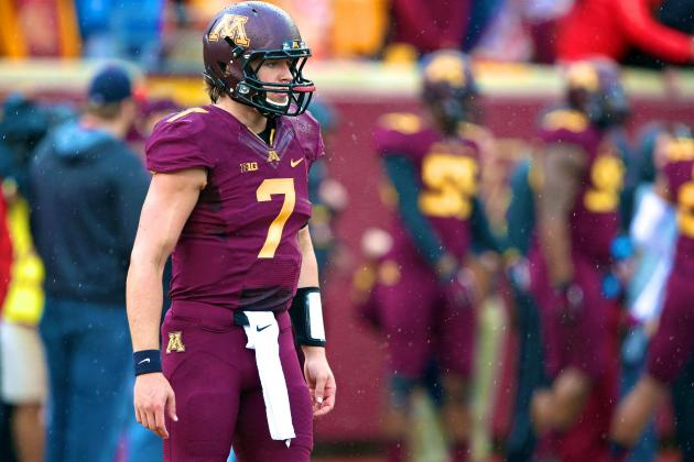 Minnesota's Quarterback Situation Is Weird, Yet It's Working for the Gophers