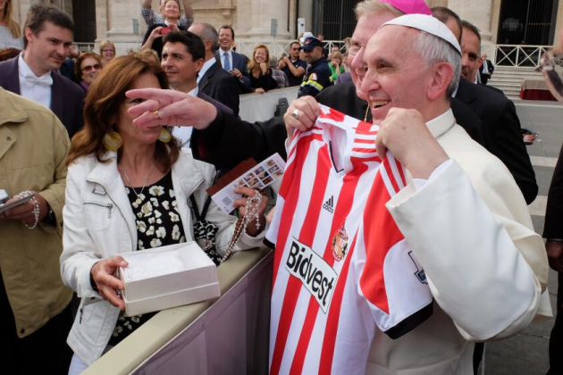 Pope Poses with a Sunderland Shirt Ahead of Newcastle Match