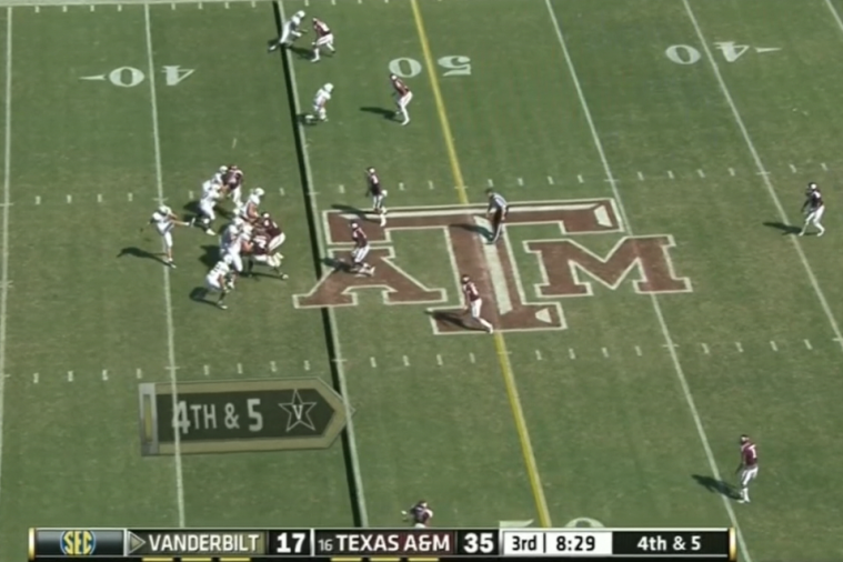 Vanderbilt Quarterback's Punt Goes Only Five Yards