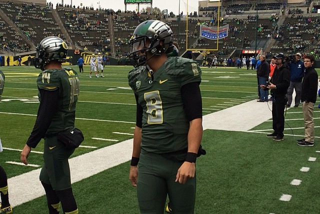 Oregon Goes Green with Uniform Combo vs. UCLA