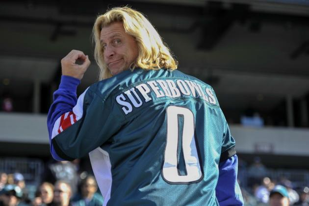 Giants Fan 'License Plate Guy' Trolls Eagles Fans with Customized Jersey