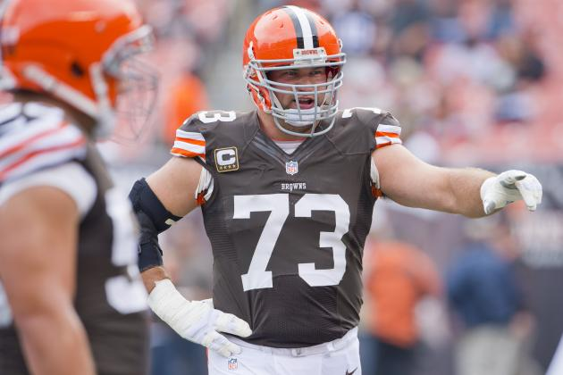 Joe Thomas Makes Rare Mistakes in Cleveland Browns' Loss to Chiefs