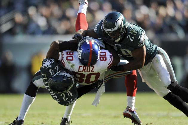 Giants' Victor Cruz Injures Neck but Appears Fine