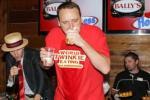 Joey Chestnut Eats 121 Twinkies in 6 Minutes