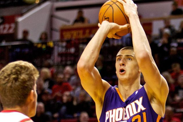 Phoenix Suns' Alex Len Practices, Hopeful for Season Opener