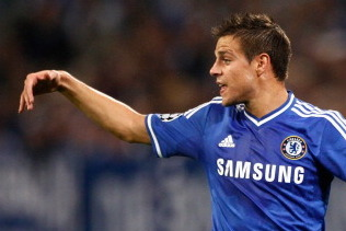 GIF: Cesar Azpilicueta Puts Chelsea 1-0 Up in the Capital One Cup Versus Arsenal