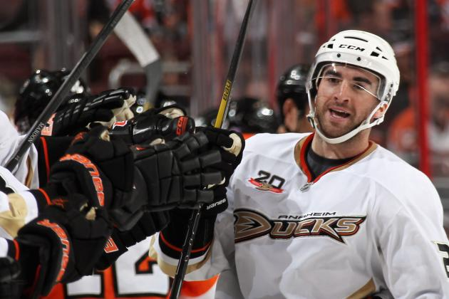 Palmieri's Two Goals Rally Ducks Past Flyers
