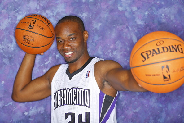 How Sacramento Kings Can Replace Injured Carl Landry