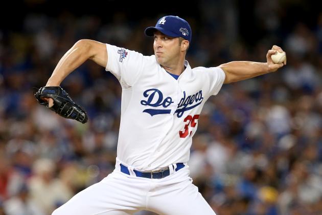 Dodgers Decline '14 Options on Ellis, Capuano