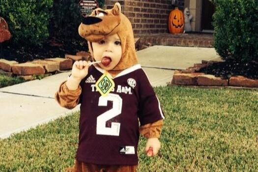 Little Kid Wearing a 'Johnny Manziel as Scooby-Doo' Costume Is Adorable