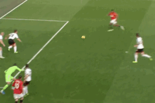GIF: Antonio Valencia Scores from Wayne Rooney's Pass for Man Utd vs. Fulham