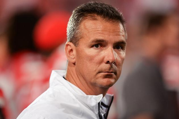 Meyer Becomes 5th Coach in CFB History with 21 Straight Wins