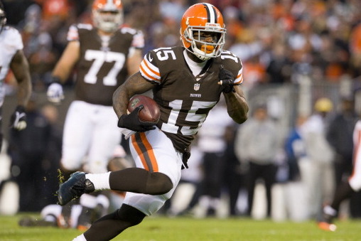 Davone Bess Bounces Back from Poor Outing with 2 Touchdowns