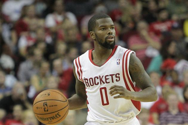 Aaron Brooks Leaves Game vs. Clippers