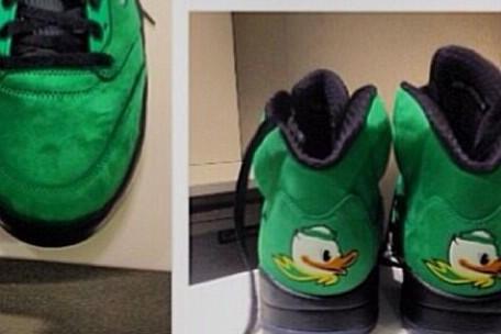 Oregon WR Josh Huff Debuts Sick Custom Nike  Sneakers