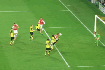 GIF: Aaron Ramsey Scores for Arsenal vs. Borussia Dortmund in Champions League