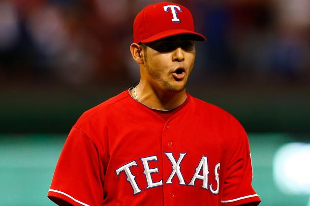 Rangers, LHP Perez Agree to Long-Term Extension