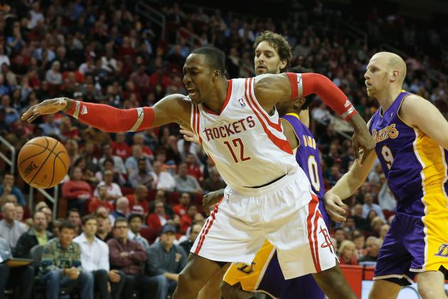 Dwight Howard's Aggressiveness Not Enough in Loss to Lakers