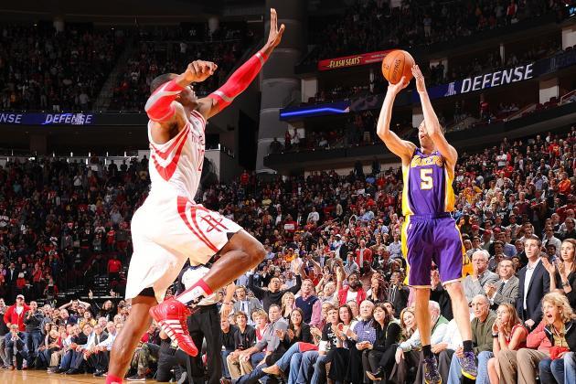 Los Angeles Lakers' Steve Blake Hits Game-Winning 3 to Beat Houston Rockets