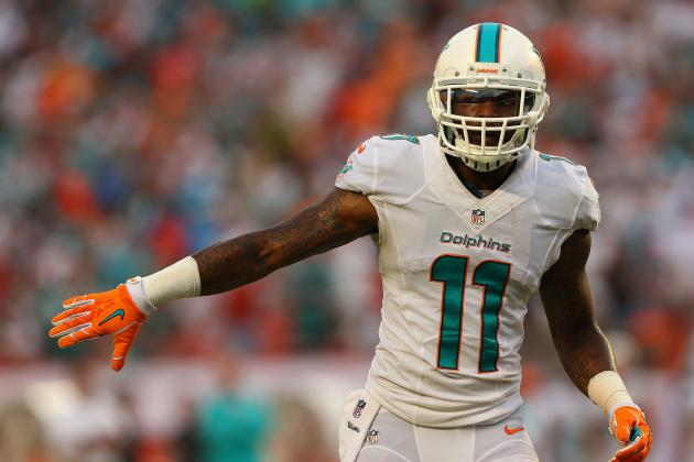 Why Mike Wallace Will Escape Revis Island for Big Performance Against Buccaneers