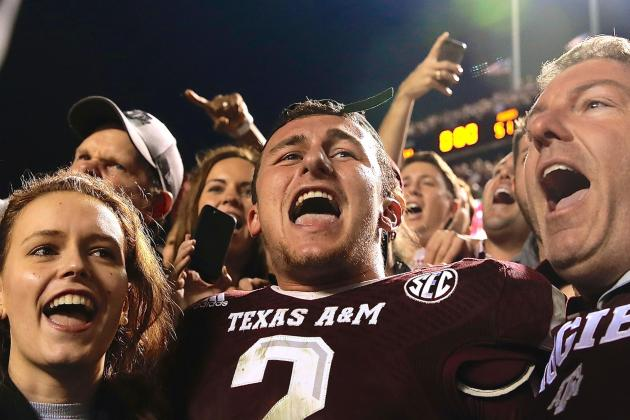 Aggies Fans Chant 'One More Year' at Johnny Manziel in Final Home Game of 2013
