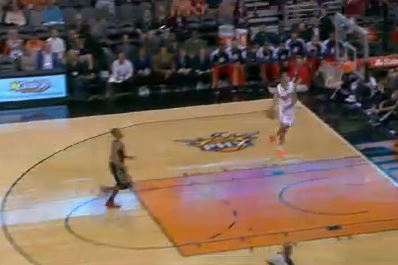 Suns' Gerald Green Throws Down Windmill Dunk on Pelicans