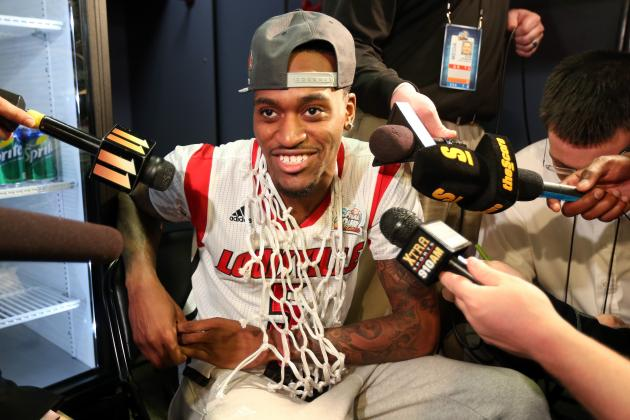 Kobe Bryant Loses Inspirational Bet with Louisville's Kevin Ware