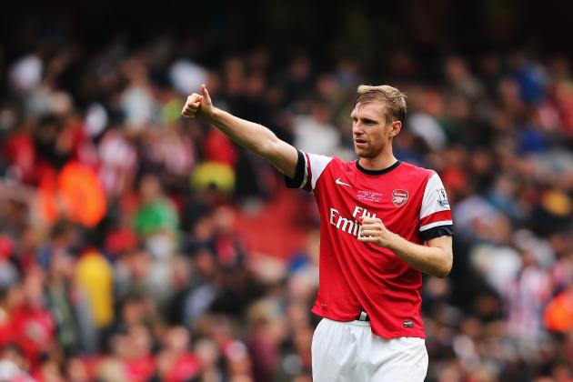 Arsenal in Discussions with Defender Per Mertesacker Over New Contract