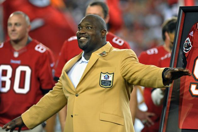 Warren Sapp Inducted into Bucs Ring of Honor