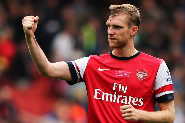 Picture: Arsenal's Per Mertesacker Selling 'BFG' T-Shirts for Charity