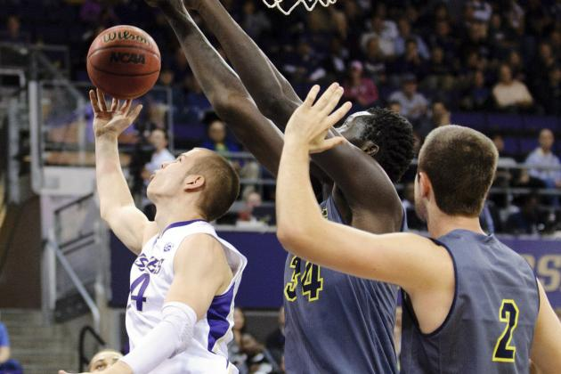 Ndiaye Breaks Big West Record for Blocks with 9