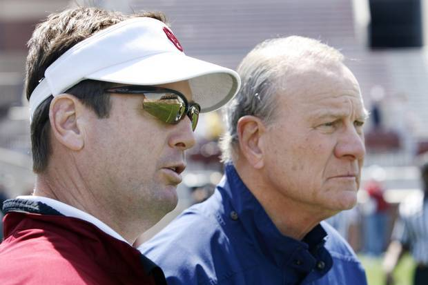 Bob Stoops' Advantage in Chasing Barry Switzer's Career Wins Record