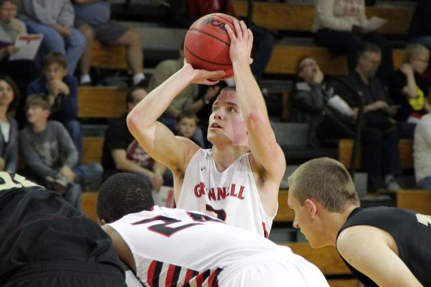 Jack Taylor Scores 71 Points in Grinnell College's Season Opener