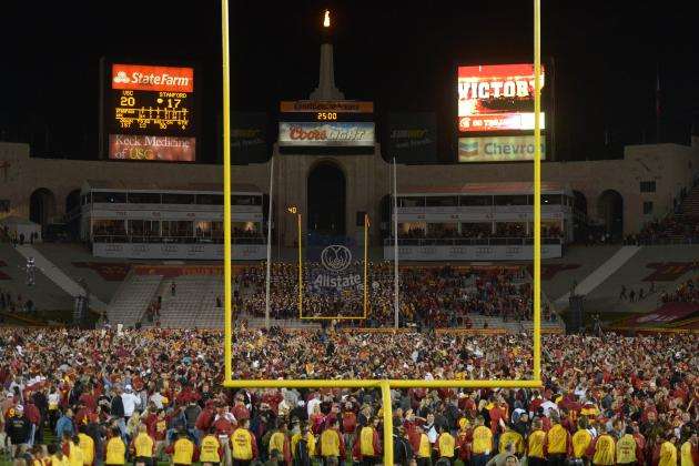 5 Injuries Reported as USC Fans Storm Field After Upset of Stanford