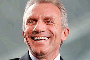 Joe Montana Says Bullying Common in NFL