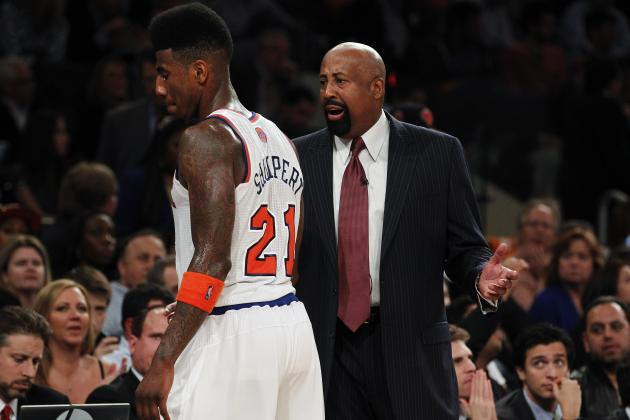 Knicks Front Office Reportedly Pressuring Mike Woodson to Change Starting Five