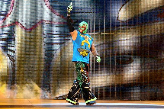 WWE Raw Review (11/18/13): Rey Mysterio Returns, Daniel Bryan & CM Punk Team Up