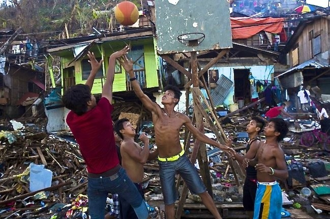 Basketball Game Breaks out in Philippine City Devastated by Typhoon Haiyan