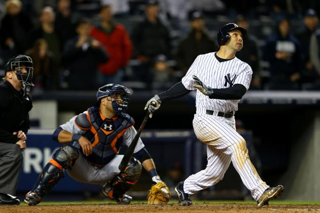 New York Yankees Considering Reuniting with Raul Ibanez