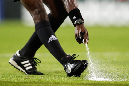 FIFA to Use Vanishing Spray to Keep Walls 10 Yards Back at Club World Cup