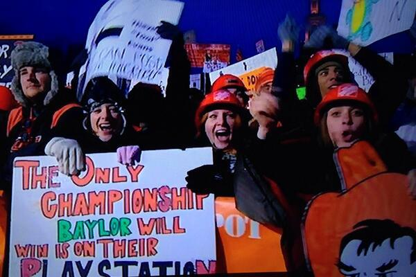 Best Signs from ESPN's 'College GameDay' Week 13